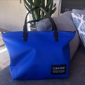 CALVIN KLEIN purse Blue Sporty - great condition!